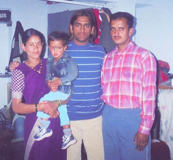 MS Dhoni_family