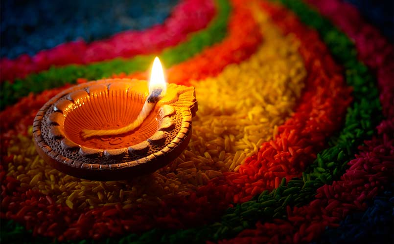 lights of india, lightening crackers, diwali celebration,diwali shopping, jainism, sikhism, diwali,sweets, happiness, lord ganesh and lakshmi,lamps,diya