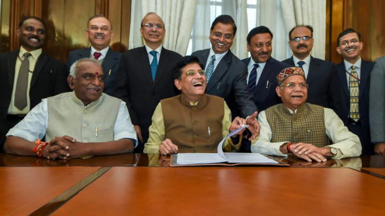 budget 2019, piyush goyal, finance minister of india, prime minister of india, tax payers, income tax of india, middle class, narendra modi